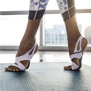 New Balance Studio Skins size M